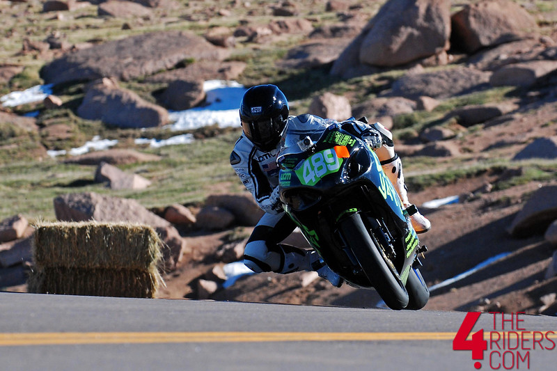 chip yates swigz electric superbike pikes peak