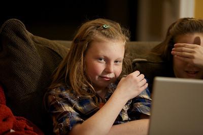 2010-11-21 Allie, Kayla and a laptop