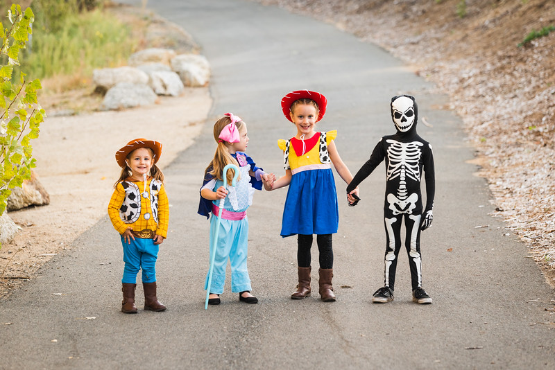 Halloween 2019 Paris Cousins-9389.jpg
