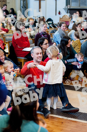 ©Bach to Baby 2018_Laura Woodrow_Epsom_2018-12-14_ 28.jpg