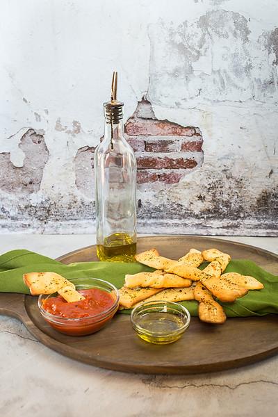 Vegan Breadsticks with Garlic & Marinara - Vegan Italian Recipes