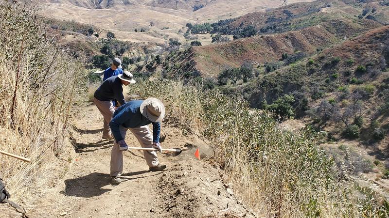 20190810008-Los Pinetos trailwork.jpg