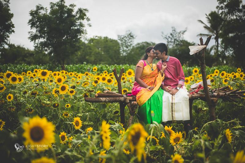 LightStory-CoupleShoot-Hassan-Bangalore-Hoysaleswara-Halebidu-Sunflowers-005.jpg