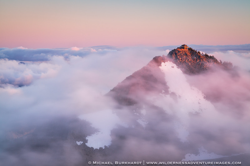 Crater_Lake_The_Watchman_Above_the_Clouds_293.jpg