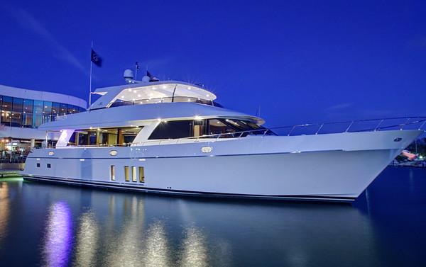 90 Ocean Alexander