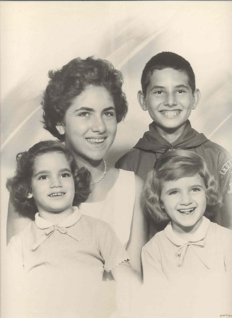 Rosemary S Izzo-Banakis and Family