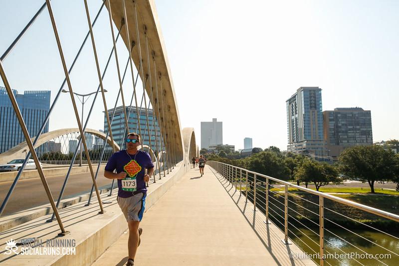 Fort Worth-Social Running_917-0385.jpg