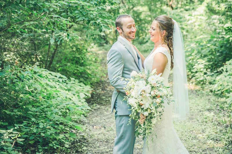 Rockford-il-Kilbuck-Creek-Wedding-PhotographerRockford-il-Kilbuck-Creek-Wedding-Photographer_G1A6078.jpg