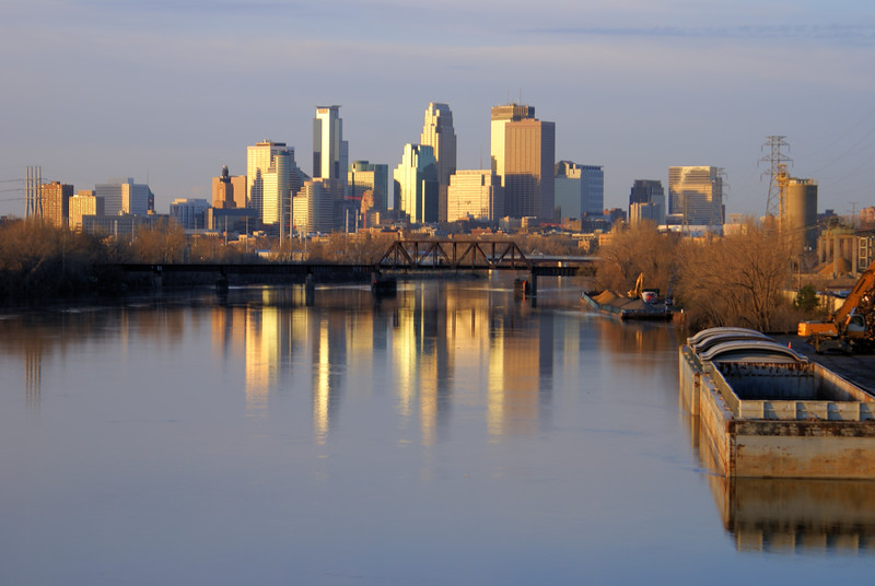 MINNEAPOLIS FROM LOWRY 2.jpg