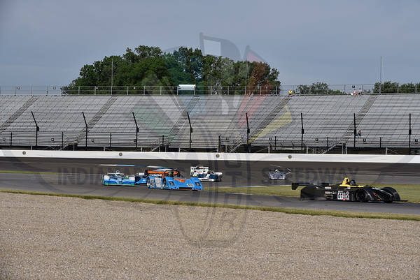 Groups 9 and 11 Feature Race - 1