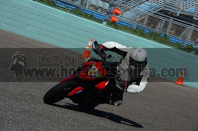 2019/12/06 Ducati Revs/Penguin - Group B