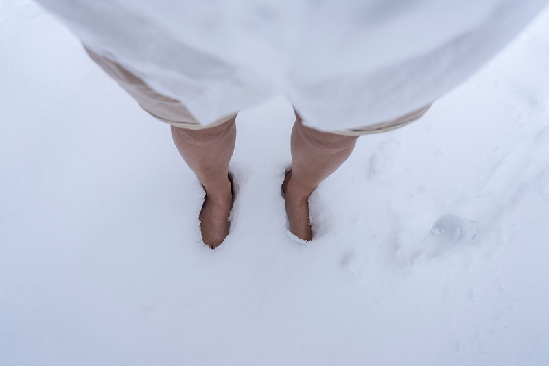 Bare feet in the snow.