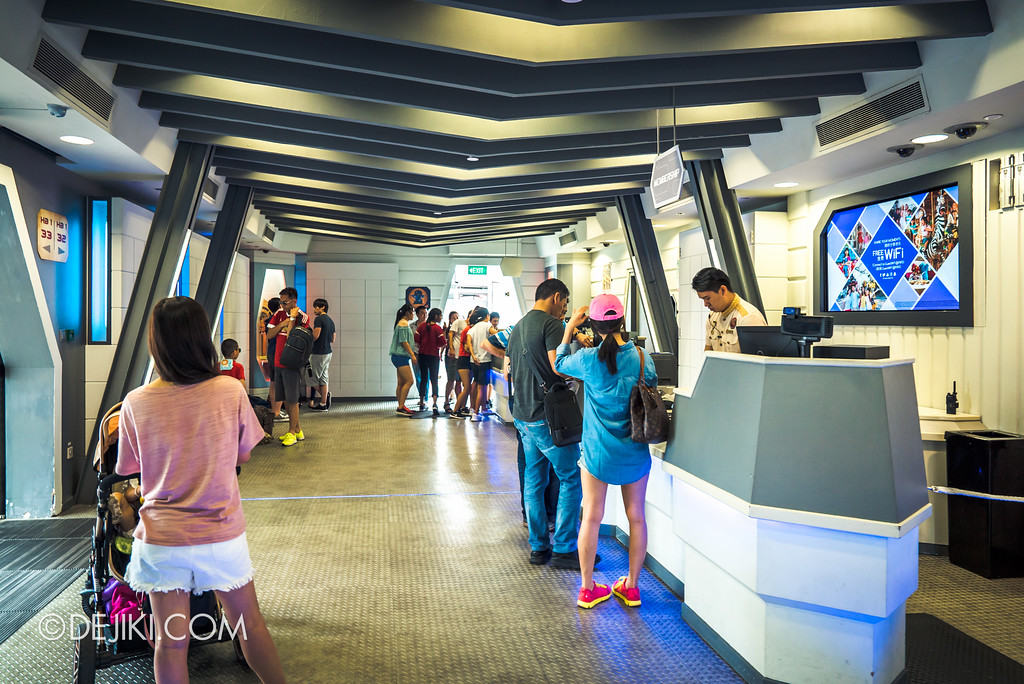 Universal Studios Singapore Park Update June 2017 - Galactica PX store closed, Membership booth and photo store