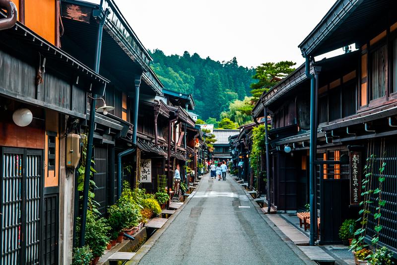 Takayama Old Town, Sanmachi Suji. Editorial credit: Alexander Vow / Shutterstock.com