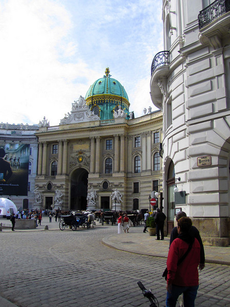 06-Hofburg Palace, MichaelerPlatz