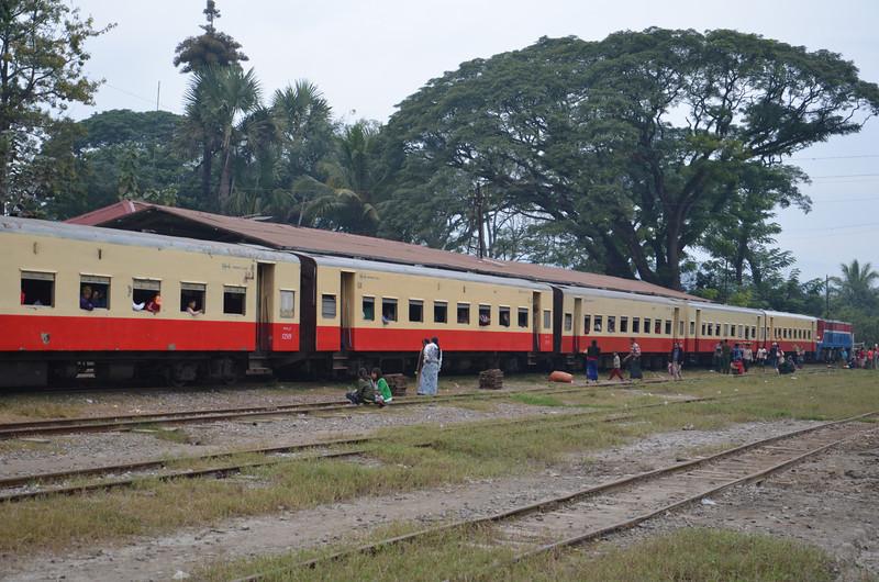 DSC_4842-train-to-lashio.JPG
