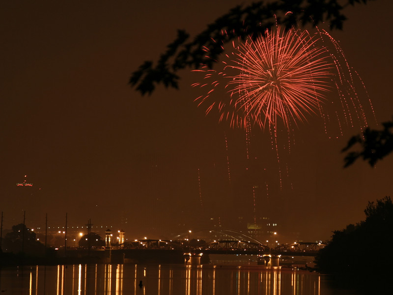 fireworks_11_07042007.jpg