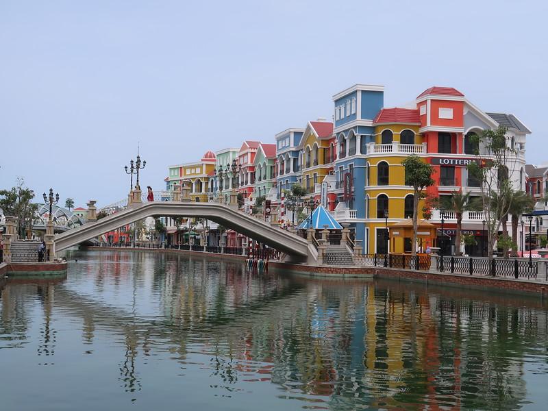 IMG_9526-canal-bridge.JPG