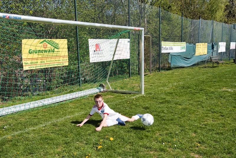hsv-fussballschule---wochendendcamp-hannm-am-22-und-23042019-y-41_46814448925_o.jpg