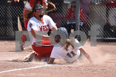 2016 Monday 5A State tournament: Pleasant Valley @ Davenport West