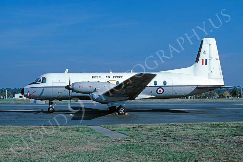 Hawker Siddeley Andover CC2 00001 Hawker Siddeley Andover CC2 British RAF XS792 October 1978 by Peter J Mancus.jpg