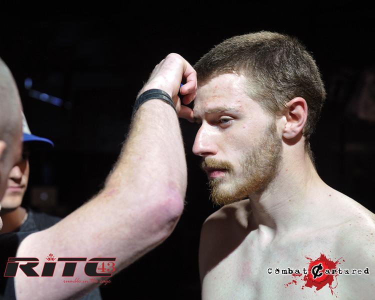 RITC43 B04 - Garrett Raines def Francois Bourassa-combatcaptured-0002.jpg