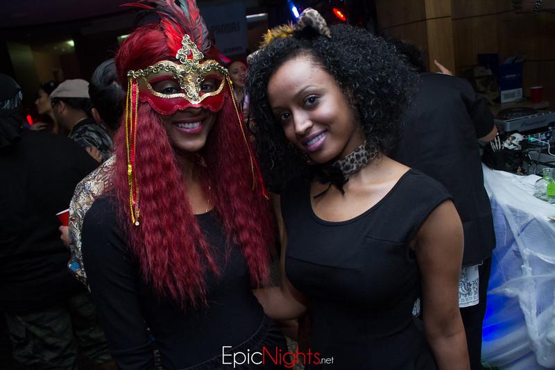 103013 Halloween Suite Party-6812.jpg