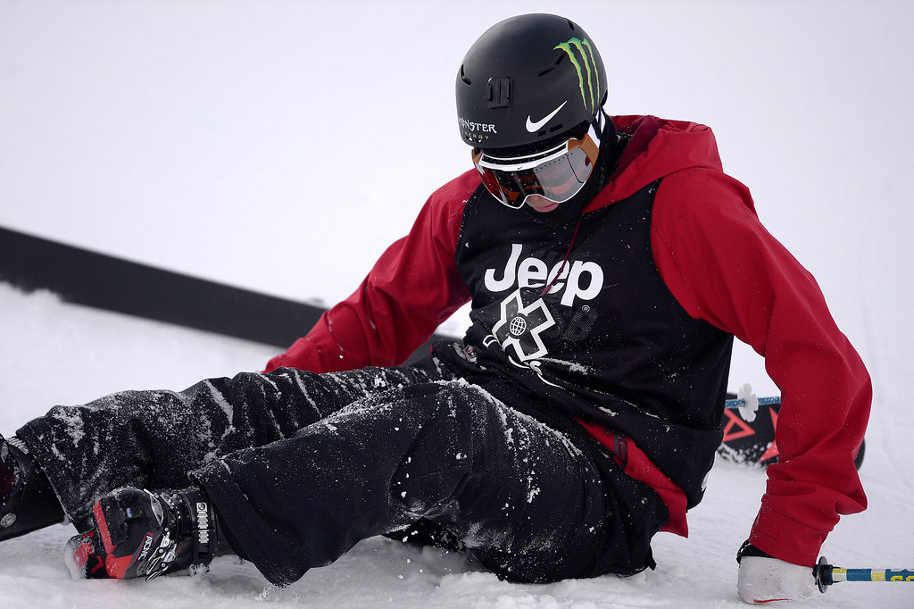 . ASPEN, CO - JANUARY 25: Gus Kenworthy wrecks during the men\'s ski half pipe final. Winter X Games on Sunday, January 25, 2015. (Photo by AAron Ontiveroz/The Denver Post)