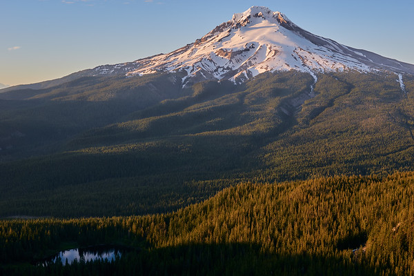 Explore Mt. Hood - Waterfalls, landscapes, and lakes.