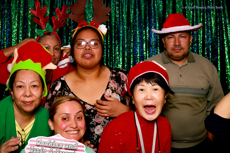 Medtronic Holiday Party -340.jpg