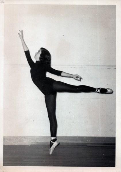 Dance_1302_a.jpg