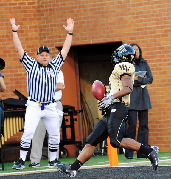Devon Brown TD catch 03.jpg