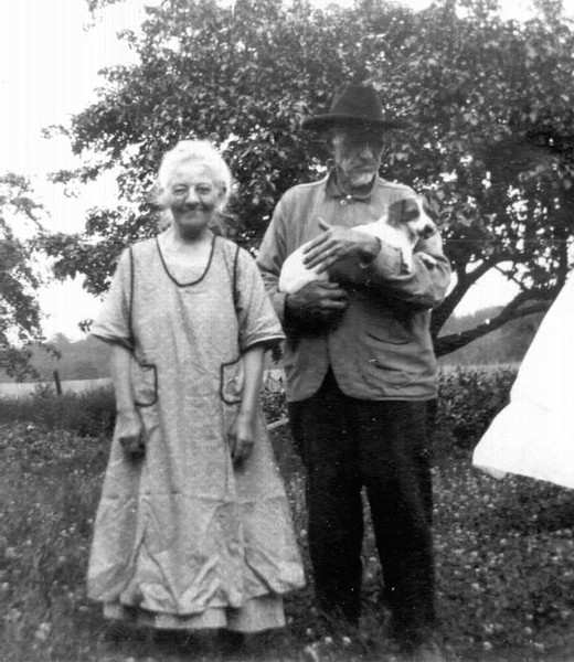 Josephine and John Mapes and friend