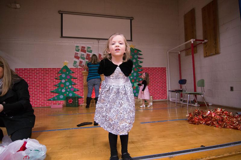 12.17.2014 - Riverview Co-Op Preschool Christmas Program - _CAI6109.jpg