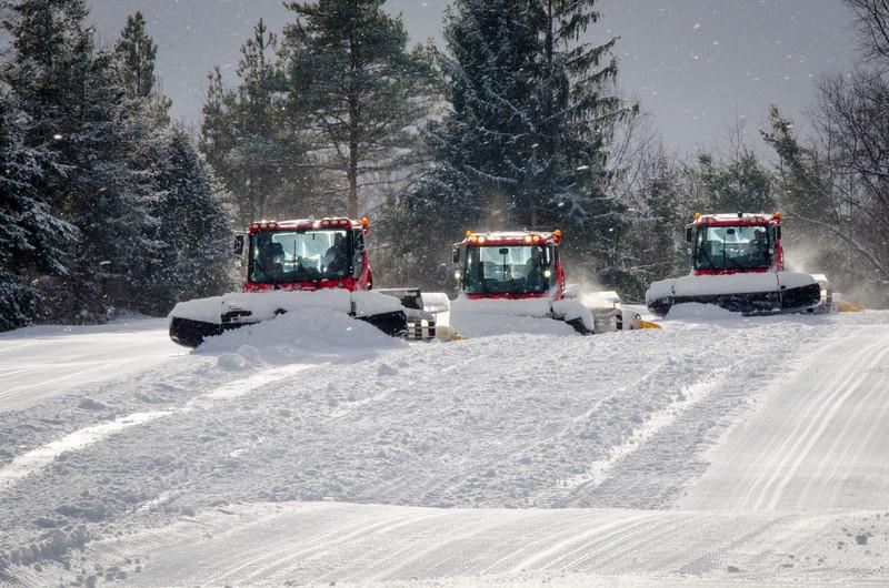 Snow-Cats_Snow-Trails-72788.jpg