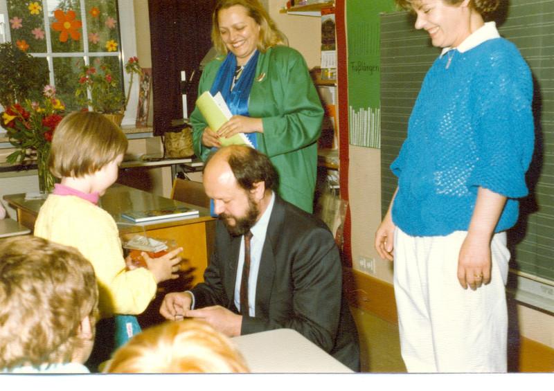 1986 Preisverleihung durch Kultusminister Breitenbach (20).jpg