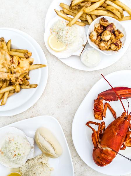 Halls Harbour Lobster Pound table_-2.jpg