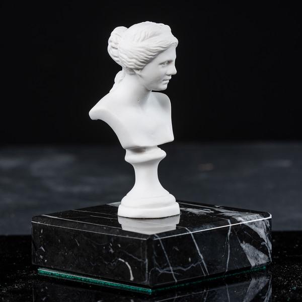 Statue-10-531.jpg