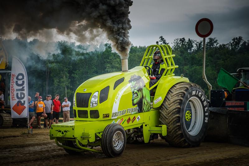 Tractor Pulling 2015 XE2-2619.jpg