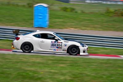 2021 SCCA Pitt Race Aug TT White 404 Twin