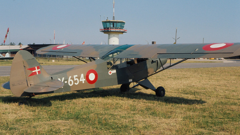 OY-AZZ-Y-654-PiperPA-18-95SuperCub-Private-EKVJ-1975-06-AM0032-KBVPCollection.JPG