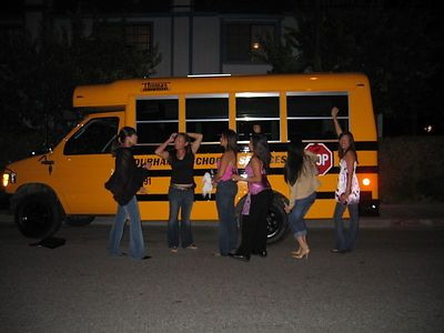 Leo Party Bus!
