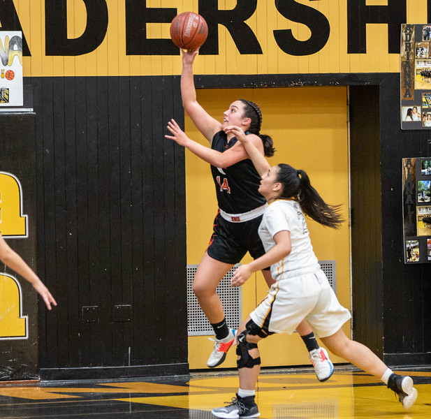 HMB Varsity Girls Basketball 2019-20-1004.jpg