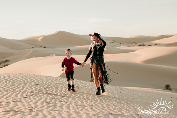 Kirsti & Slater :: Glamis Sand Dunes