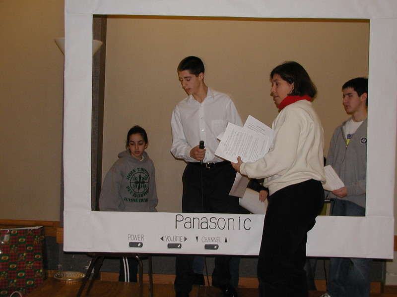 2002-12-21-HT-Christmas-Pageant_001.jpg
