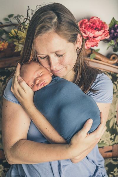 Rockford_newborn_Photography_L022.jpg