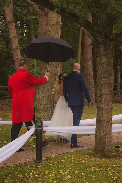 Sam_and_Louisa_wedding_great_hallingbury_manor_hotel_ben_savell_photography-0189.jpg