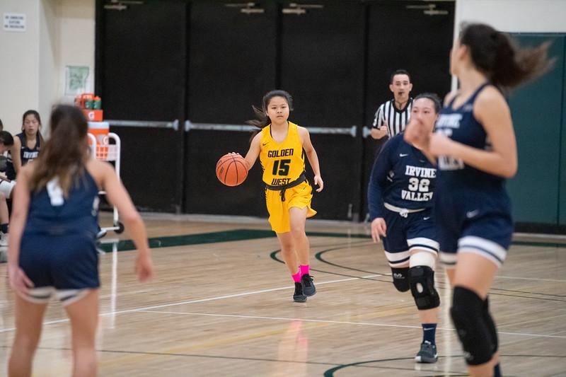 Basketball-W-2020-01-31-7653.jpg