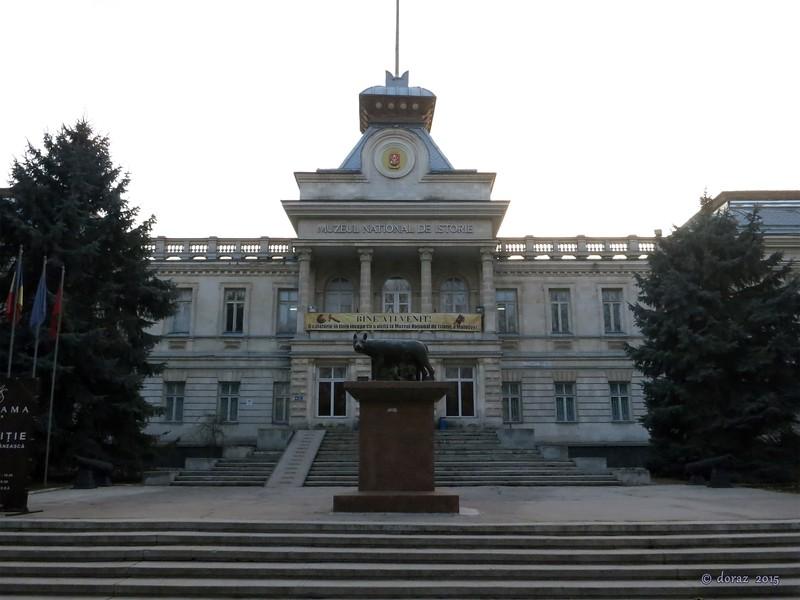 11 Chisinau, Muzeul National de Istorie.jpg