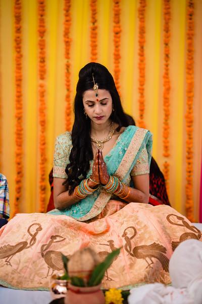 Candid Wedding Photographer Ahmedabad-1-45.jpg